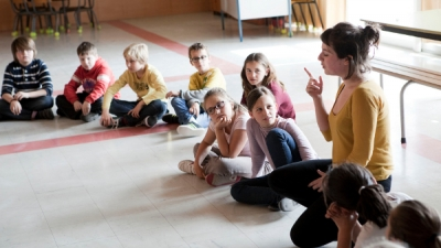 Séance d'initiation au chant en classe
